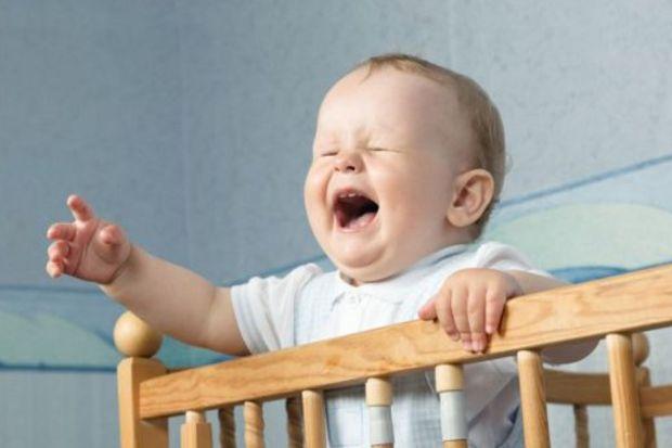 Çocuklar kulak ağrılarını 4 şekilde gösteriyor!