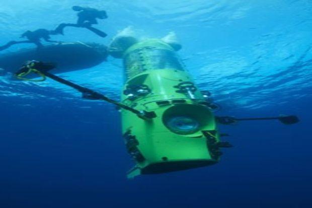 Ünlü yönetmen James Cameron, dünyanın en derin noktasına daldı!
