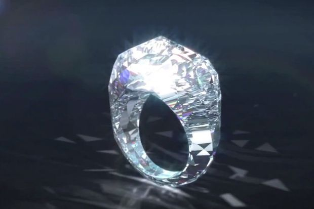 """İşte dünyanın ilk """"pırlanta"""" yüzüğü!"""