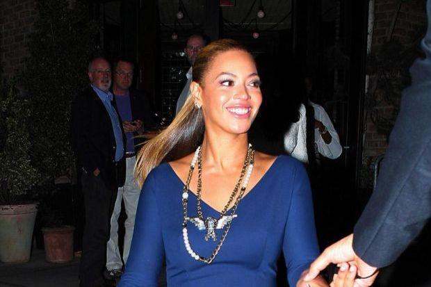 Beyonce, Victoria'nın tasarımlarına hasta!