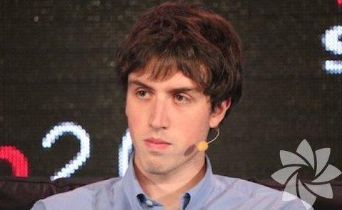 <p>Adam D'Angelo : 27 yaşında olan, Facebook'un kurucu ortaklarından Adam D'Angelo aynı zamanda bir bilgi paylaşımı olan Quora'nın CEO'su.</p>