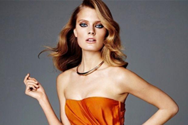 H&M Exclusive Glamour Koleksiyonu ile kırmızı halı şıklığını yakalayın
