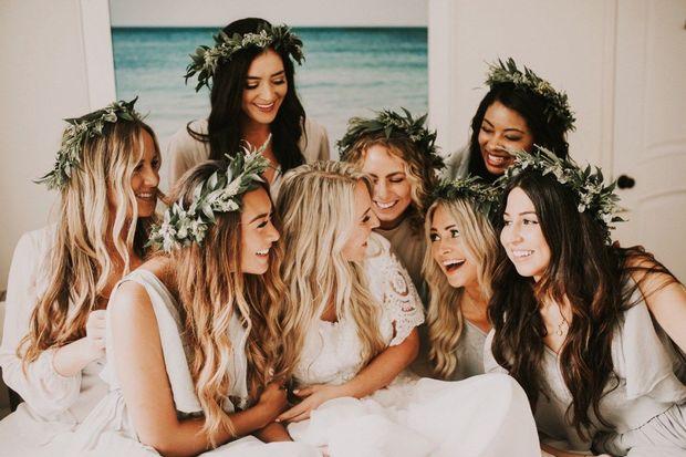 Deniz kenarında bir düğüne davetliyseniz işte size birkaç ipucu