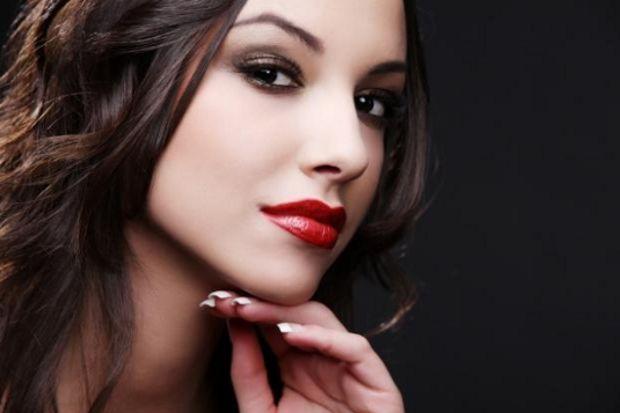Her kadının denemesi gereken 6 makyaj önerisi