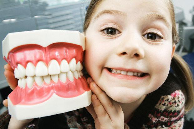 Anne babalar dikkat! Diş çürüğü sizden çocuğunuza bulaşabilir