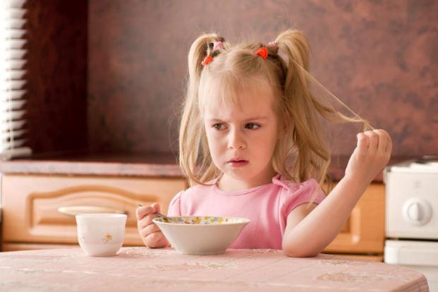 Ailenin beslenme hataları çocuğu yemekten soğutuyor!