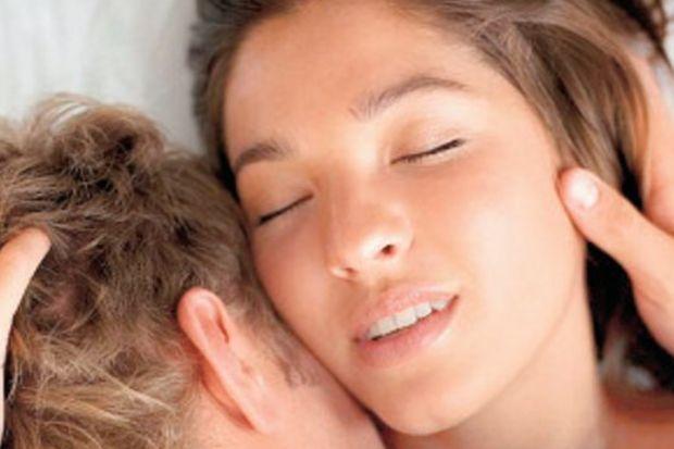 Bekârlar evlilere göre yatakta daha mutlu!