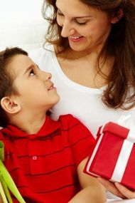 Annenize burcuna göre hediye almanın yolları
