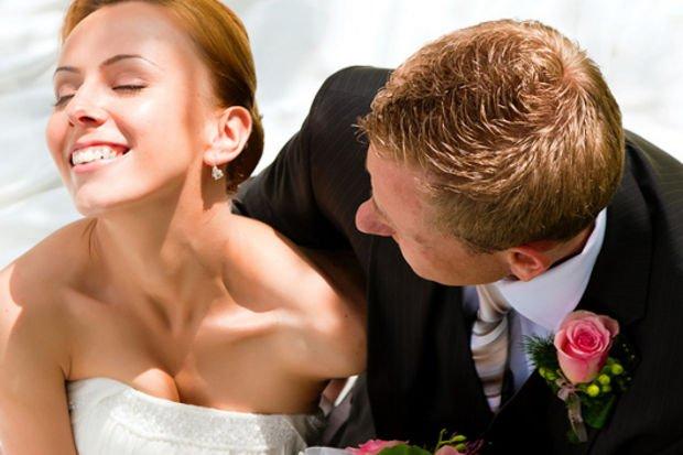 Evlenecek çiftlerin düğün hakkında bilmesi gereken 6 madde!