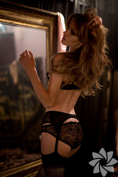 Agent Provocateur - Rosie Huntington Whiteley