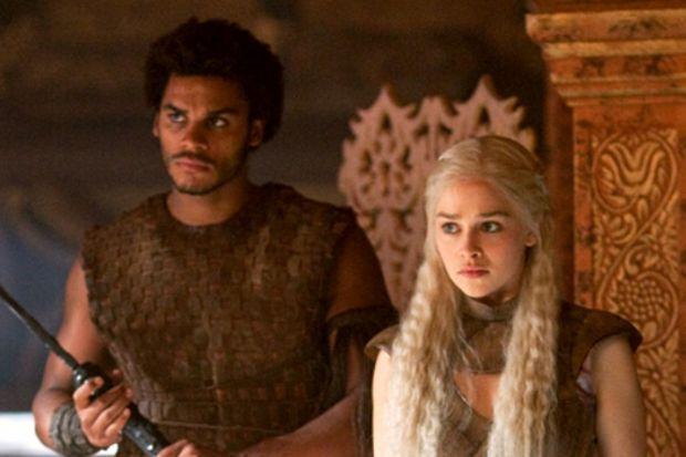 Game of Thrones yeni bölümü ile izleyenleri büyüledi!