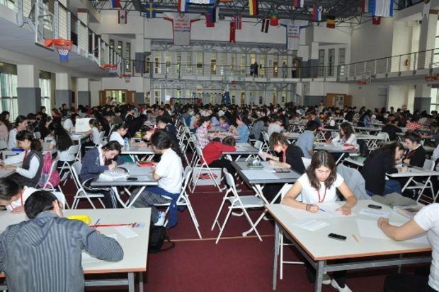 Aktif Resim Yarışması'nda 350 öğrenci aynı anda resim yaptı