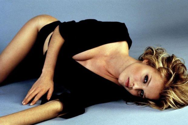 Seksi manken  Eva Herzigova Cannes Film Festivali'ne damgasını vurdu!