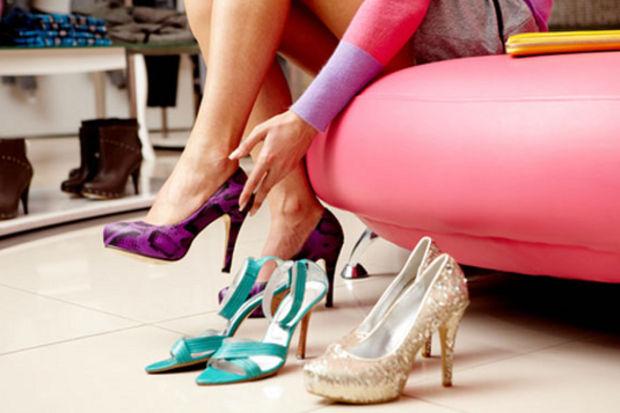 Mezuniyet gecenizde giyeceğiniz ayakkabınıza karar verdiniz mi?