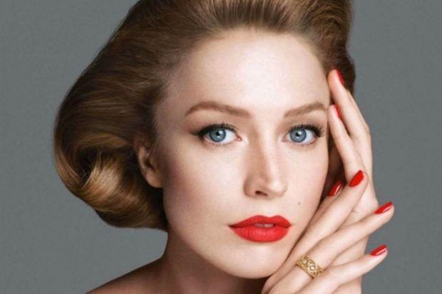 Ünlü manken Raquel Zimmermann Dior mücevherlerinin tanıtım yüzü oldu