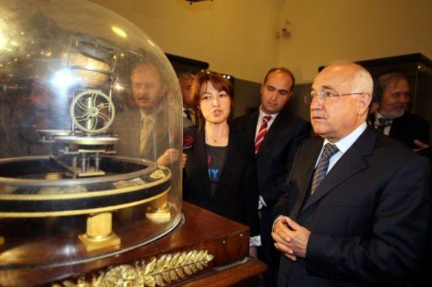 Topkapı Sarayı'nda tarihi saatler sergisi