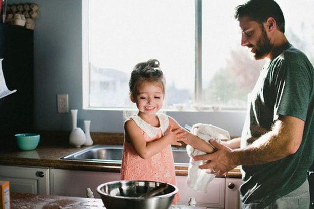 Babalar ebeveynlikte daha iyi! İşte 6 nedeni...