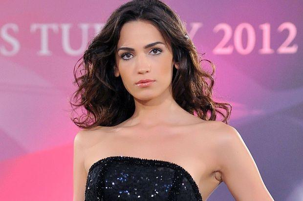 Miss Turkey 2012'de Açalya 1'inci