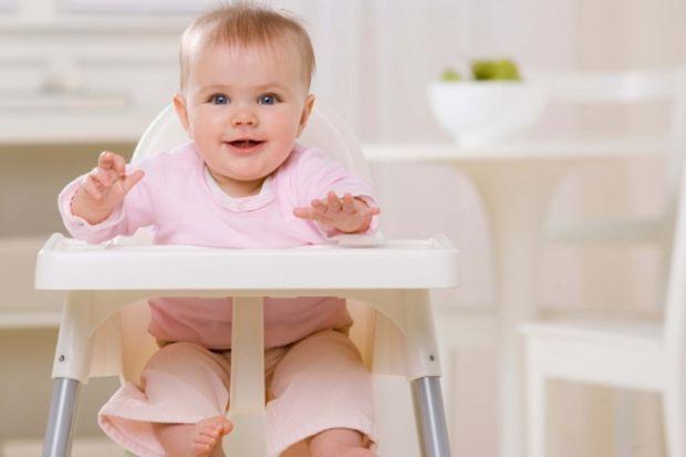 Yürümeye başlayan bebeğinizin yemesi gereken 12 besin!