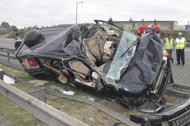 Bengü trafik kazası geçirdi!