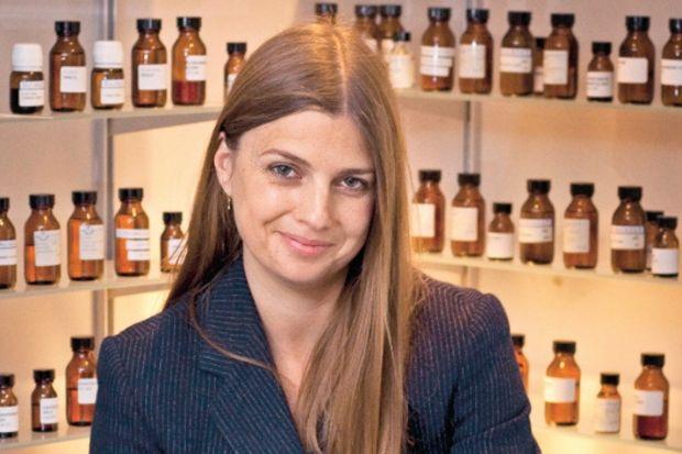 Lyn Harris: Parfüm, aşk için atmosfer yaratır!