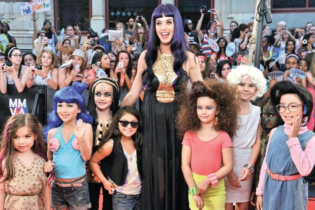 En iyi uluslararası şarkıcı Katy Perry