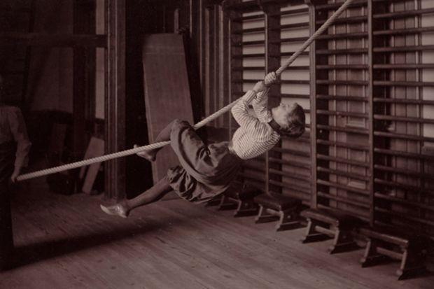 1800'lü yıllarda spor yapan kadınlar...