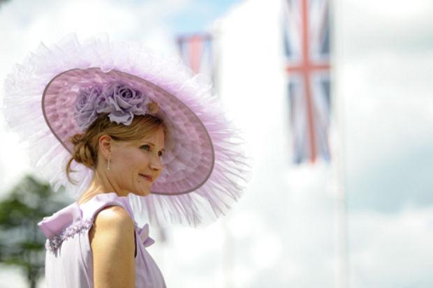 Kraliyet At Yarışları'nın öne çıkan şapkaları...