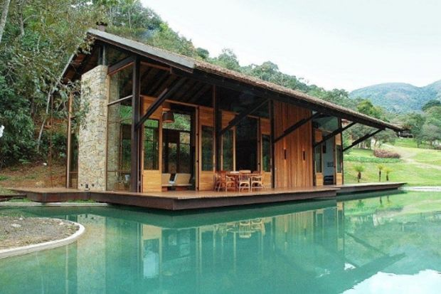 Brezilya'da huzur veren ahşap ev!