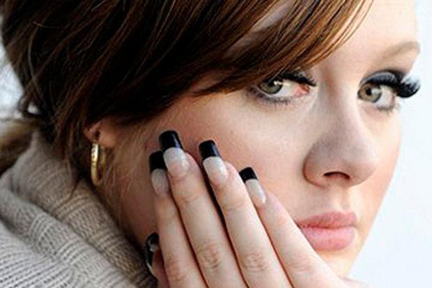 Adele hamile