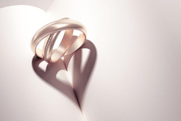 Evlenecek çiftler için en yeni alyans modelleri...