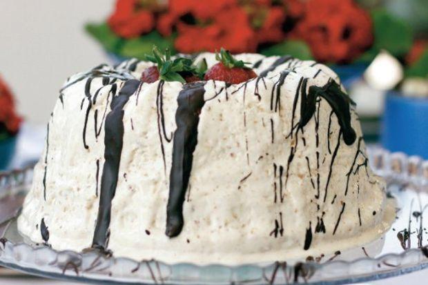 Krokanlı pasta