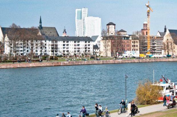 Frankfurt yürüyüşleri…
