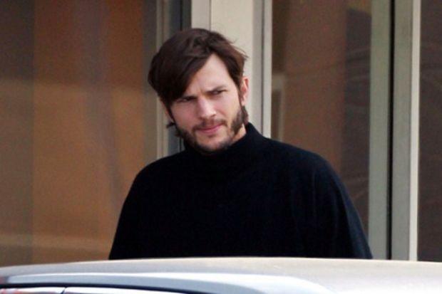 Ashton Kutcher, Steve Jobs oluyor!