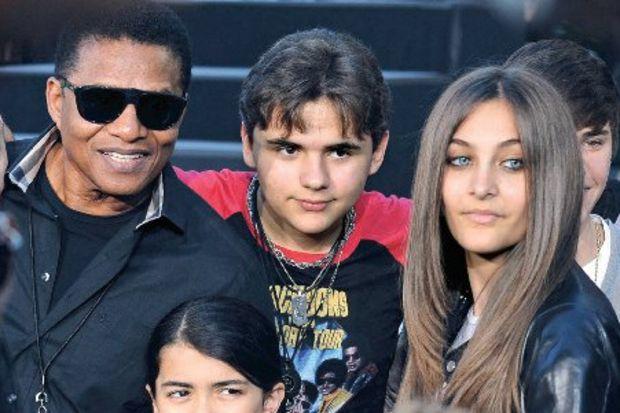 Jackson'ın 3 çocuğu kuzenlerine emanet!