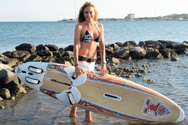 """Çağla Kubat: """"Sörf için güzelliğimden fedakârlık ederim!"""""""
