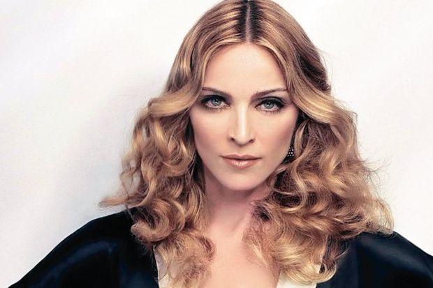 Elton John, Madonna'ya verdi veriştirdi!
