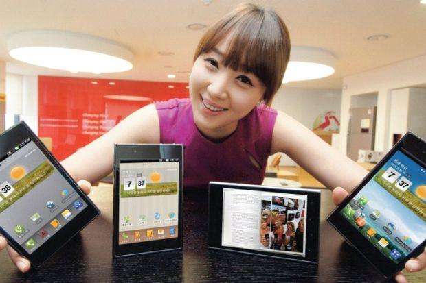 Cep telefonuyla tablet birleşti: Phablet!