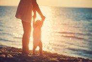 Bebeğinizle tatile çıkarken dikkat etmeniz gereken 18 madde!