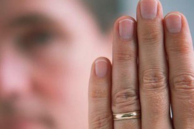 """""""Kısa parmak"""" prostatı yeniyor!"""