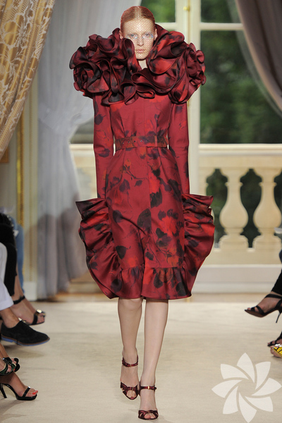 <p>Giambattista Valli 2012 Haute Couture Sonbahar Kış defilesinden fotoğraflar...</p>
