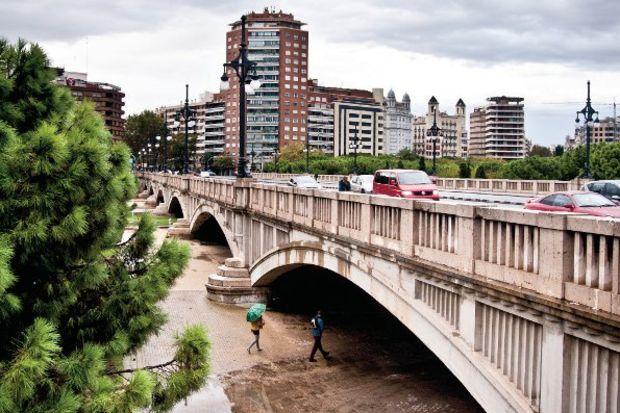 Kuvvetli şehir Valencia…