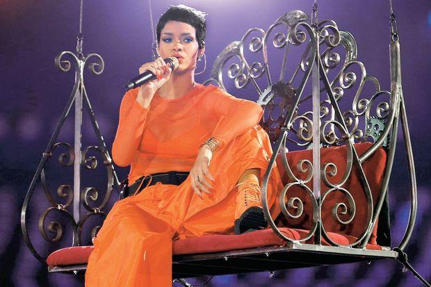 Kapanışı Rihanna yaptı!