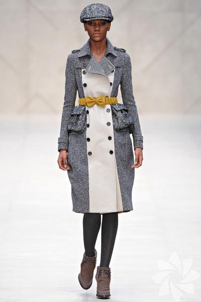 Burberry Prorsum 2012 Sonbahar / Kış Koleksiyonundan fotoğraflar...