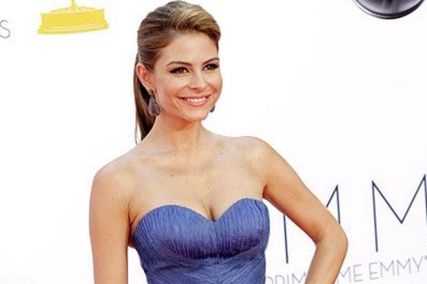 Emmy 2012 ödül törenlerinde kim nasıl giyinmiş?