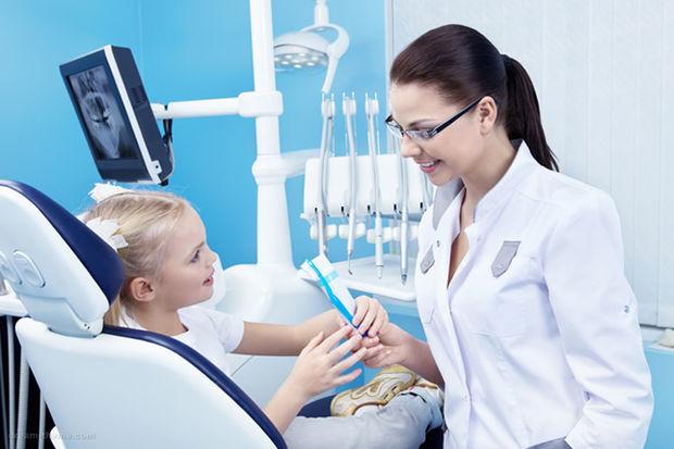 Okul çağındaki çocuğunuzun dişlerini nasıl korursunuz?