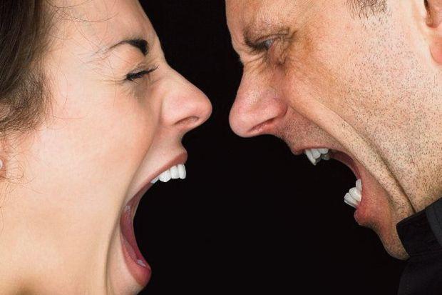 5 boşanmadan 1'i sanal alem yüzünden!