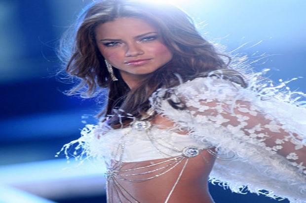 Victoria Secret'ın gelmiş geçmiş en seksi melekleri...