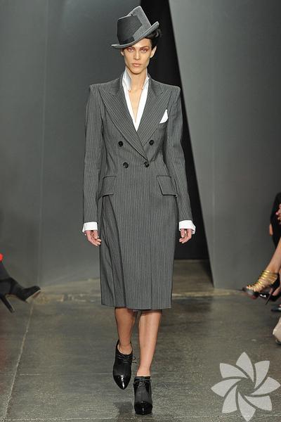 <p>Donna Karan 2012 Sonbahar / Kış defilesi...</p>