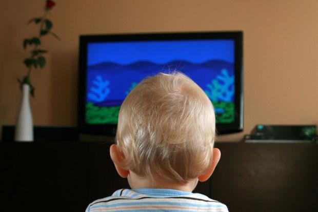 """""""3 yaşından küçüklere televizyon yasaklanmalı!"""""""